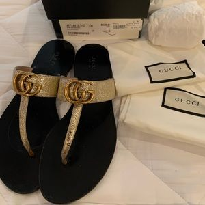 Gucci Gold sandals size 9 good condition beautiful